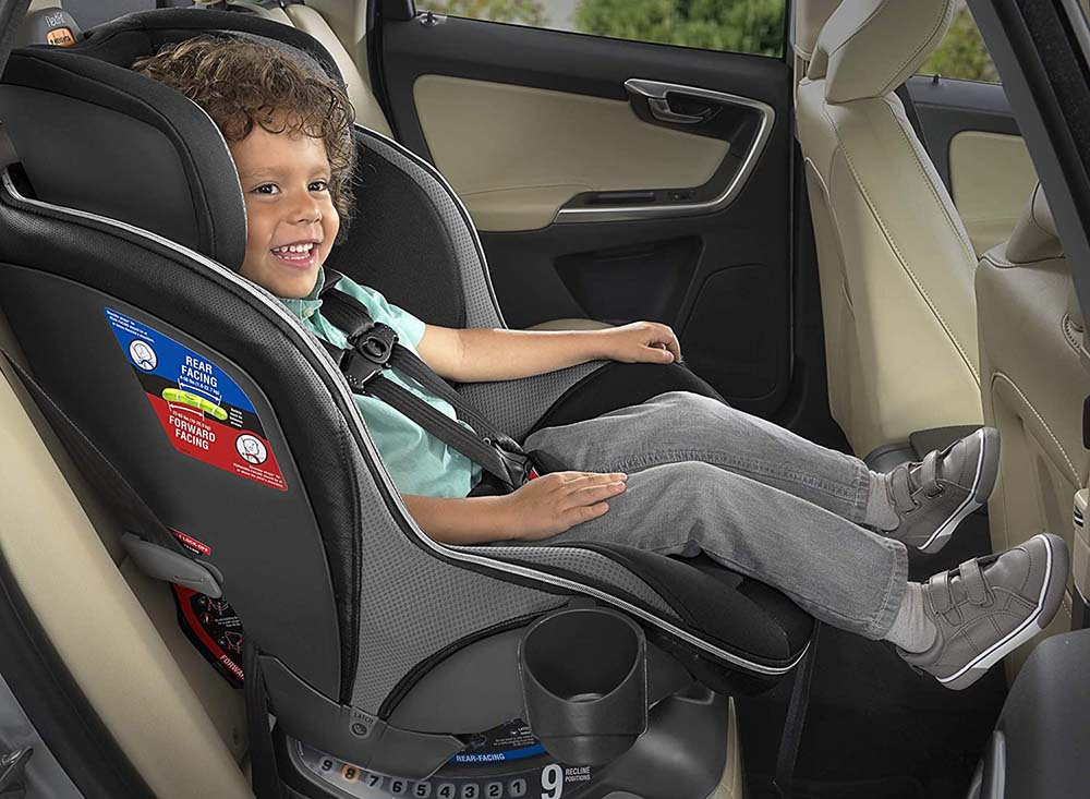Chicco Nextfit Zip Carseat in Back of Car